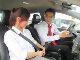 Đề thi sát hạch lái xe ô tô oline miễn phí - Đề số 12