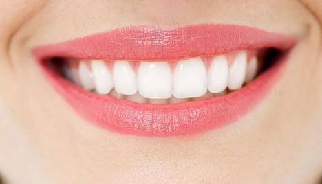 Sữa chua giúp làm trắng răng