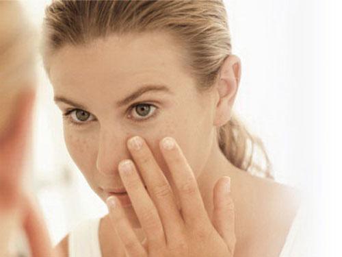 Dấu hiệu nhận biết rối loạn nội tiết tố nữ và cách điều trị