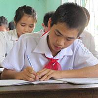 Đề thi học kì 1 môn Tiếng Anh lớp 9 trường THCS Cát Minh, Bình Định năm 2013 - 2014