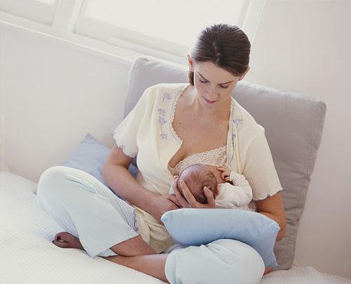Những dấu hiệu mang thai khi đang cho con bú