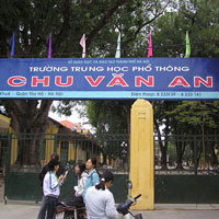 Đề thi học kì I môn Ngữ Văn lớp 10 cơ bản dành cho các lớp A (Đề 03) - THPT Chu Văn An (2012 - 2013)