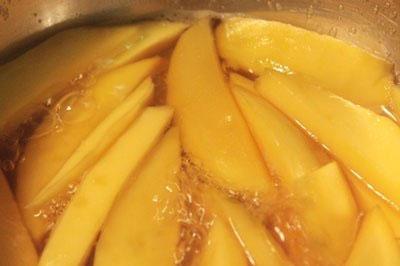 Cách làm ô mai xoài dẻo chua ngọt đón Tết