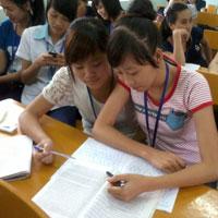 Bài văn mẫu lớp 10 số 5 đề 1: Thuyết minh về tấm gương học tốt của lớp em