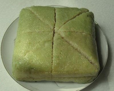 Cách cắt bánh chưng đẹp không cần dao