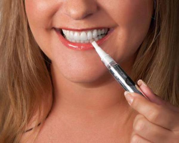 Những lưu ý khi sử dụng bút tẩy trắng răng
