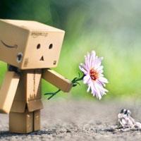 Nghị luận xã hội: Sống chậm lại, nghĩ khác đi, yêu thương nhiều hơn