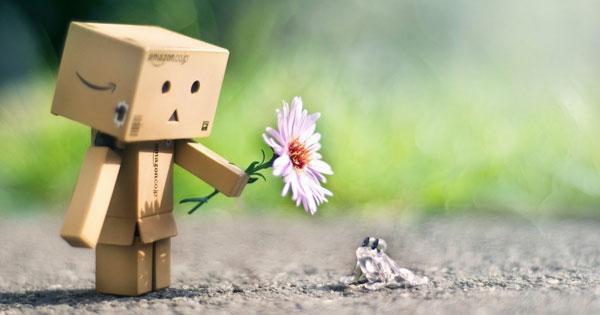 Nghị luận xã hội Sống chậm lại, nghĩ khác đi, yêu thương nhiều hơn.