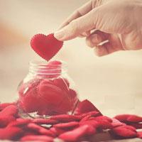 Nghị luận xã hội: Tình thương là hạnh phúc của con người