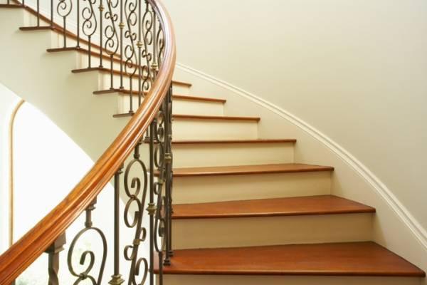 """Bậc cầu thang trong nhà tránh kết thúc bằng """"tử"""""""