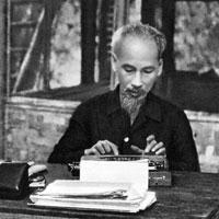 Bài tập trắc nghiệm Lịch sử 9: Hoạt động của Nguyễn Ái Quốc ở nước ngoài trong những năm 1919 - 1925
