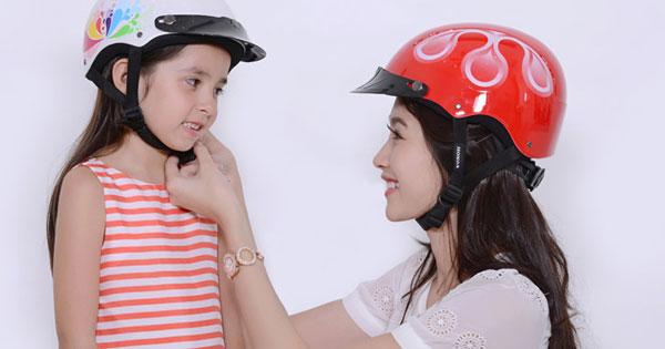 Trẻ em bao nhiêu tuổi phải đội mũ bảo hiểm?