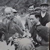 Trình bày suy nghĩ của em về nhiệm vụ của thế hệ trẻ ngày nay trong việc học tập tấm gương đạo đức Hồ Chí Minh