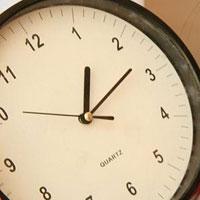 Giải vở bài tập Toán 3 bài 14: Xem đồng hồ (tiếp theo)