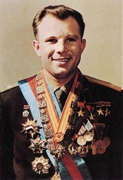 Lý thuyết Lịch sử 12 bài 2: Liên Xô và các nước Đông Âu (1945 - 1991). Liên Bang Nga (1991 - 2000)