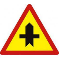 Biển báo giao nhau với đường không ưu tiên W207a