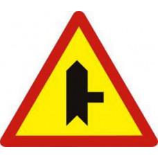 Biển báo giao nhau với đường không ưu tiên W207b