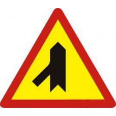 Biển báo giao nhau với đường không ưu tiên W207e
