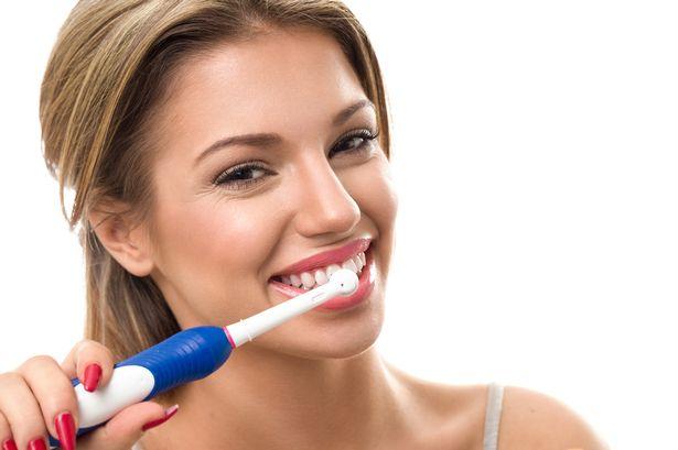 Trắc nghiệm: Những thói quen khiến răng chưa già đã rụng