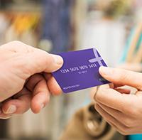 Debit card là gì? Credit card là gì? Sự khác nhau giữa hai loại thẻ